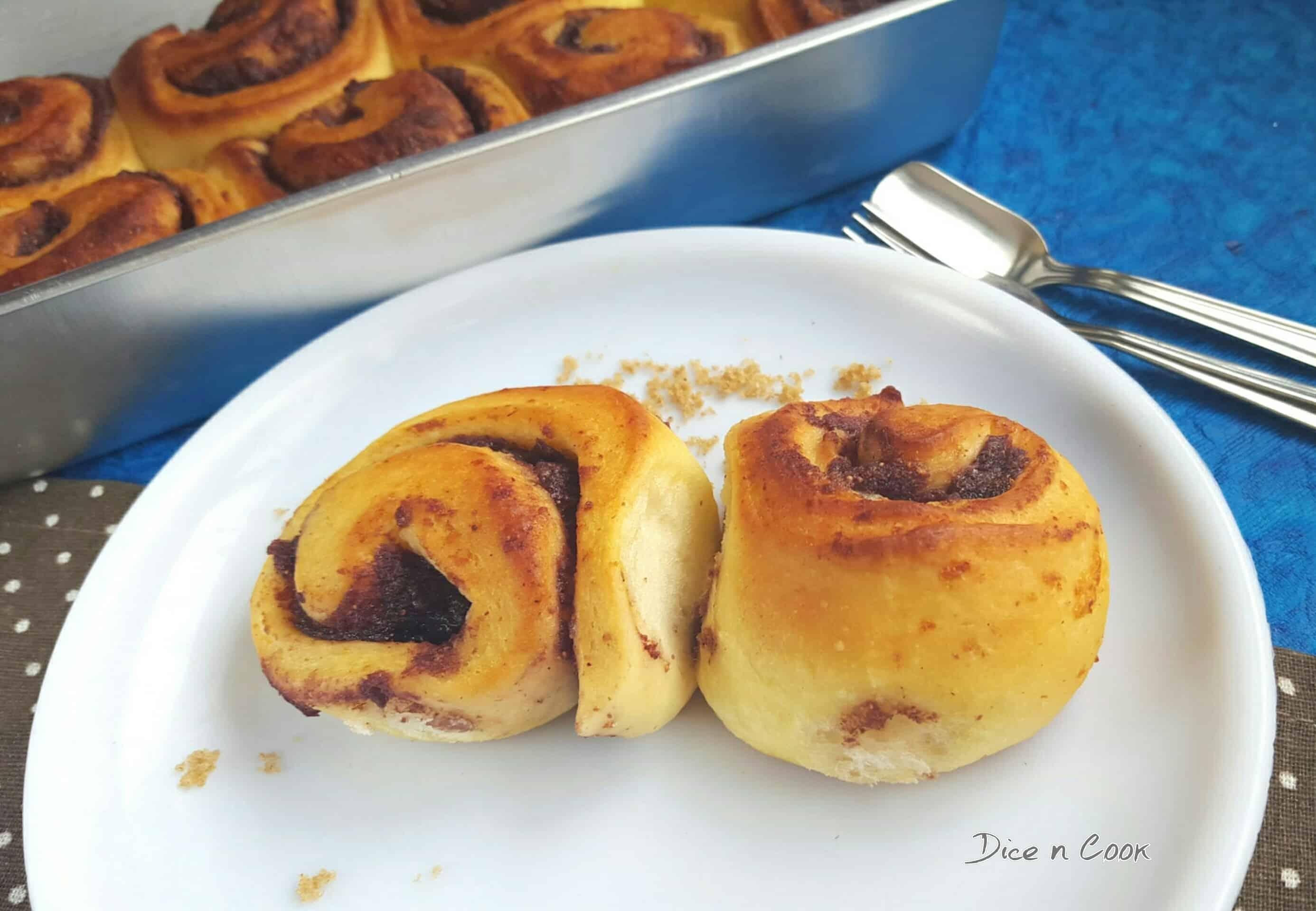 Eggless-fresh-fig-honey-cinnamon-rolls