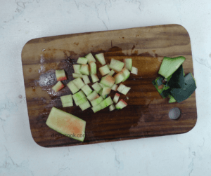 Watermelon rind cutting