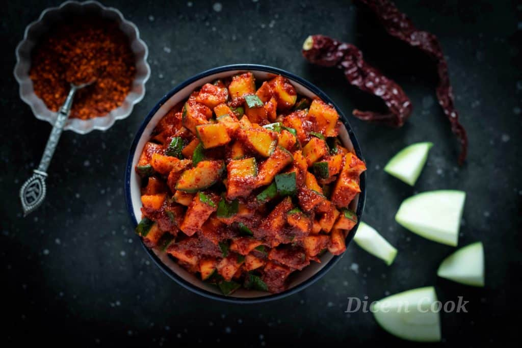Raw Mango Pickle – How to make Karnataka style Kochhalu Uppinakai