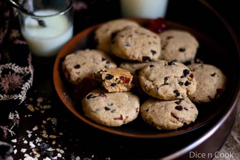 Eggless-chocochip-cherry-cookies