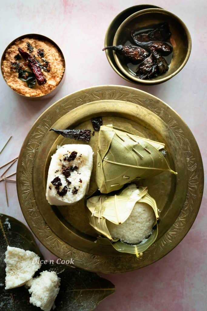 Kotte kadubu or idli in jackfruit leaves mould are soft fluffy and tasty. This is a great healthy breakfast recipe. A glutenfree and vegan recipe. Gut friendly fermented steamed rice cakes. #glutenfree #vegan #breakfast #fermentation #idli